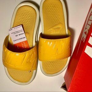 Women Nike Benassi SolarSoft JDI Ultra SE Slides